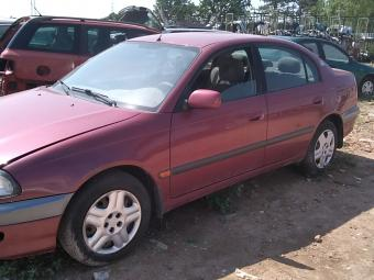 Toyota Avensis T22 1.6